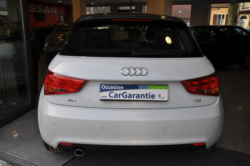 Audi A1 SPORTBACK TDI 105 S LINE