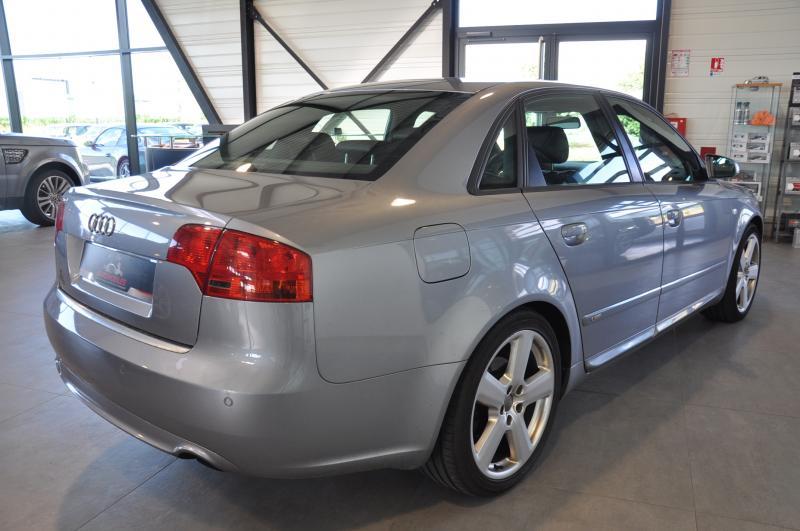 Audi A4 2.5TDI S-LINE