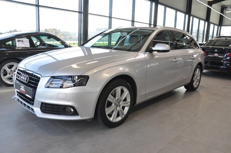 Audi A4 Avant b8 3.0 TDI QUATTRO