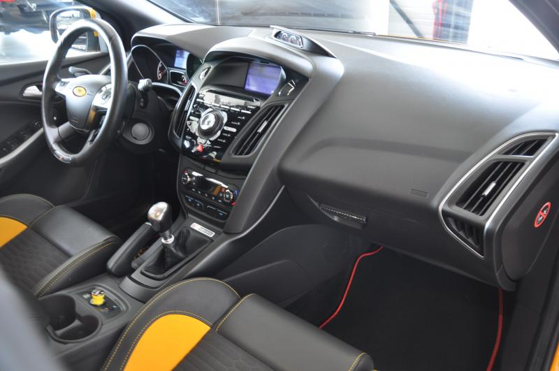 Ford FOCUS ST 2.0 ecoboost 250