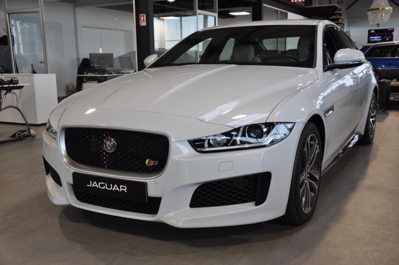 JAGUAR XE Supercharged 3.0 V6 a partir de 776/mois