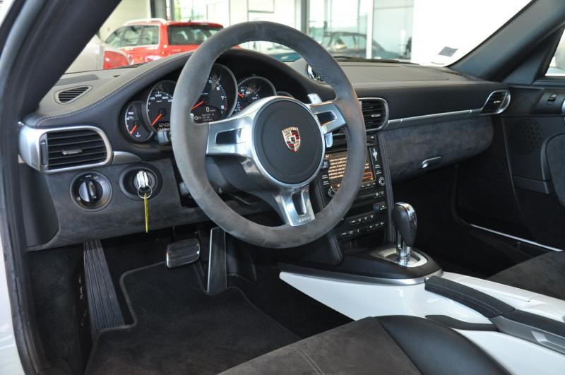 Porsche 911 GTS 997 3.8 carrera 4