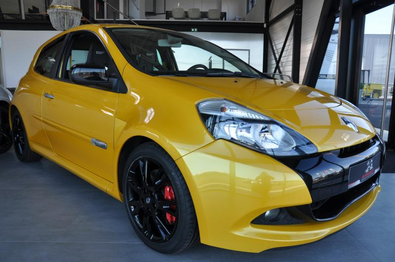 RENAULT CLIO III PH2 2.0 RS 200 CUP F1